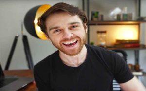Youtuber Keuangan Andrei Jikh
