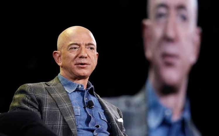 CEO Amazon Jeff Bezos akan mundur dari jabatannnya.